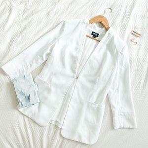 Clasp Front White Blazer Chic Workwear w/ Pockets